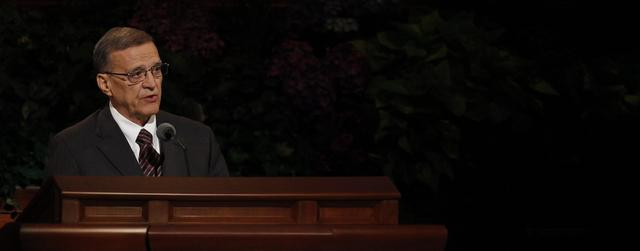 Elder Daniel L. Johnson of the First Quorum of Seventy speaks at the Sunday afternoon session of general conference, 7 October 2012