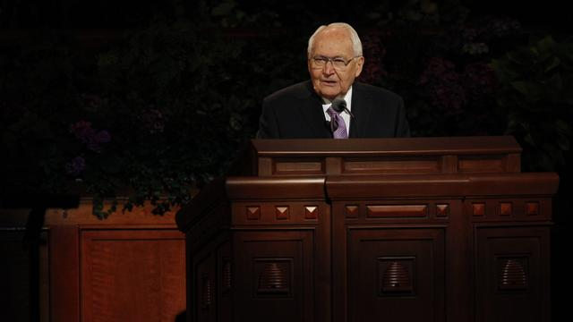 Elder L. Tom Perry of the Quorum of the Twelve Apostles speaks at the Saturday afternoon session of general conference, 6 October 2012