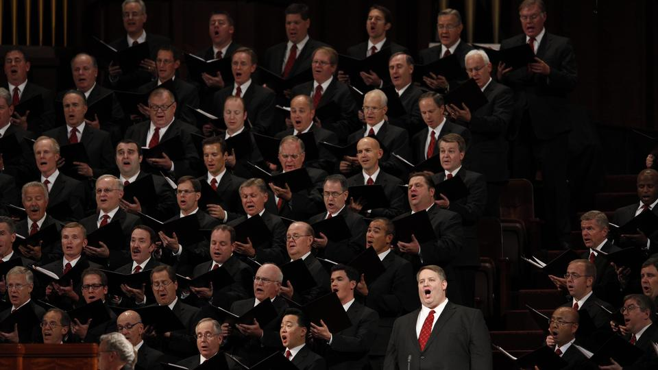 Shane Warby sings with the Mormon Tabernacle Choir at the Sunday morning session of general conference, 7 October 2012