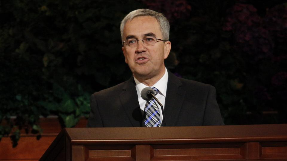 Elder Walter F. González of the Presidency of the Seventy speaks at the Sunday morning session of general conference, 7 October 2012