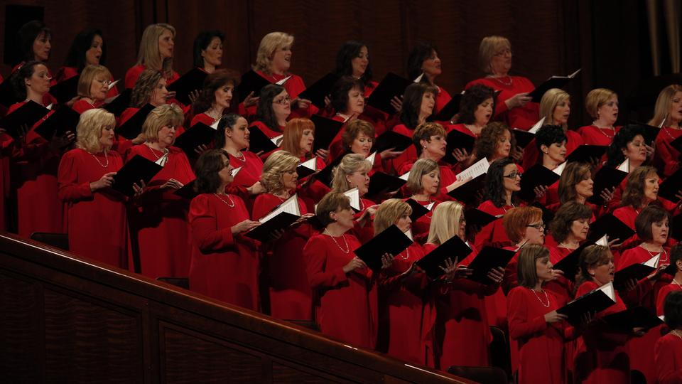 The Mormon Tabernacle Choir sings at the Sunday morning session of general conference, 7 October 2012