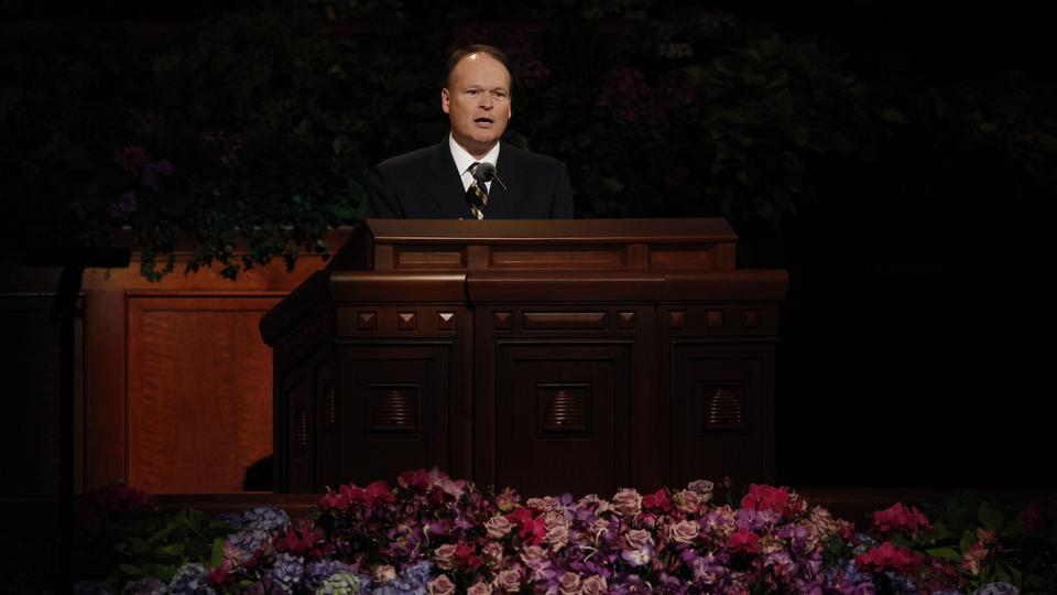 Elder Marcus B. Nash of the First Quorum of Seventy speaks at the Sunday afternoon session of general conference, 7 October 2012